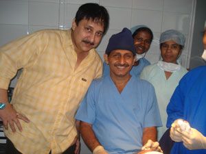 Arjun Chakrabarty with Hair transplant surgeon Manoj Khanna